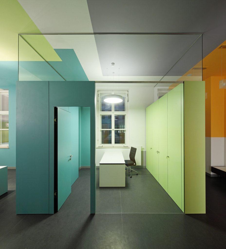 manus klinik in krefeld fl mann m belwerkst tte tischlerei. Black Bedroom Furniture Sets. Home Design Ideas